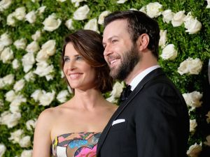 Cobie Smulders and Taran Killam are still trying to sell their apartment.