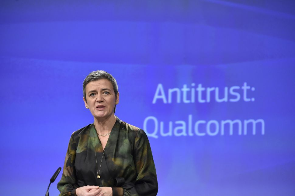 EU Antitrust Regulators Fine Qualcomm $1.23B for Bribing Apple