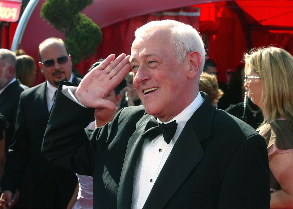 'Frasier' Star John Mahoney Has Passed Away
