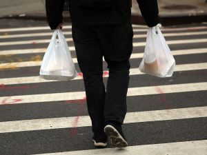 New York may be inching closer to implementing a statewide plastic bag ban. (Photo by Spencer Platt/Getty Images)
