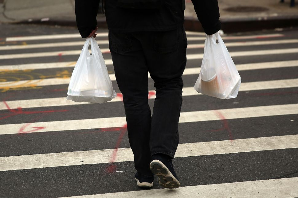 Here's How a Proposed Plastic Bag Ban Would Affect New York City Residents