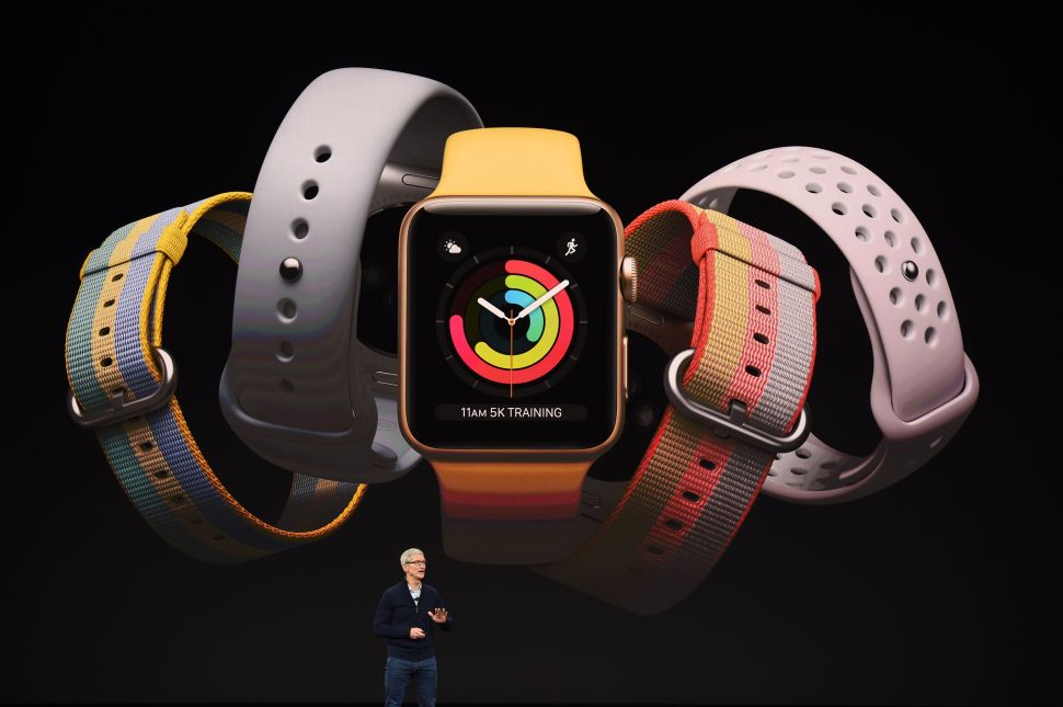 Apple Sold More Watches Than Swiss Watchmakers Combined During 2017 Holiday Season
