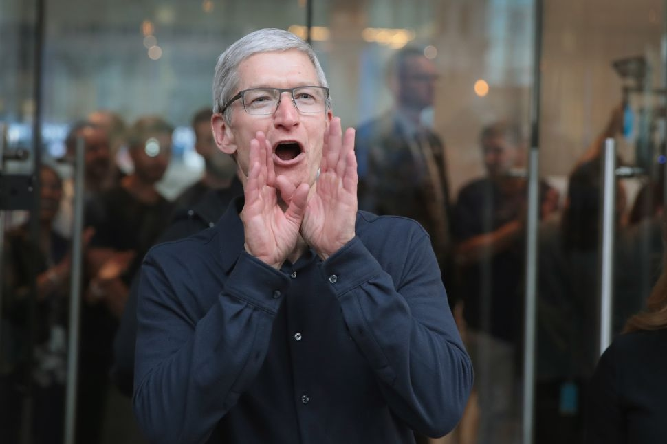 Apple Sold Fewer iPhones in Q1 2018, Likely to Raise Prices Like Netflix