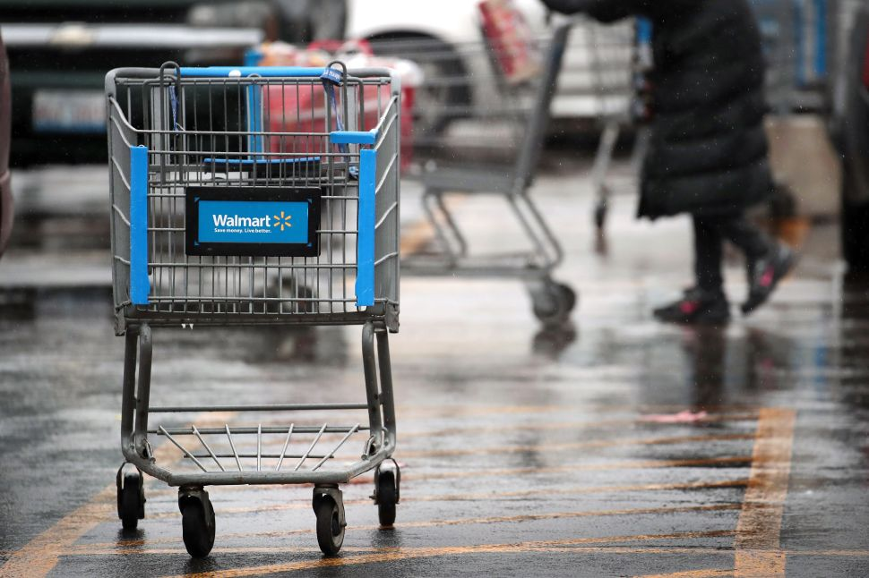 Apparently Walmart Has Lost the Holiday Season E-Commerce War—For Now