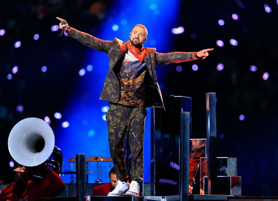 Justin Timberlake's Super Bowl Prince Tribute Draws Ire of Internet