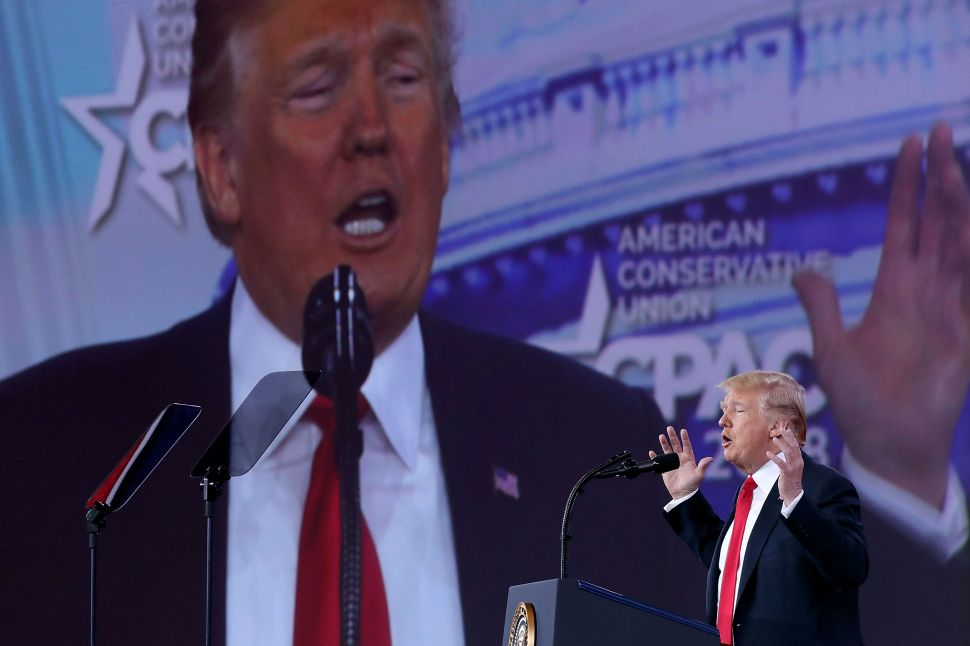 Trump Brags About Himself, Touts Promise to 'Build That Wall' at CPAC