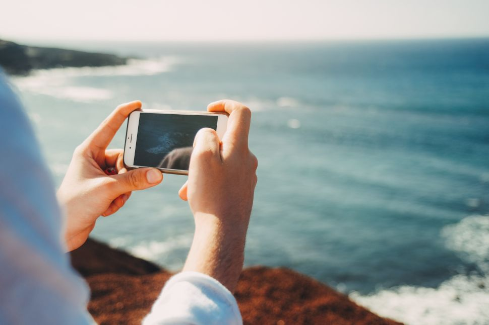 The Surprising Benefits Of a Forced Digital Detox on Vacation