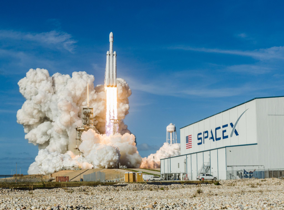 A Survivor's Guide to Covering SpaceX at Kennedy Space Center