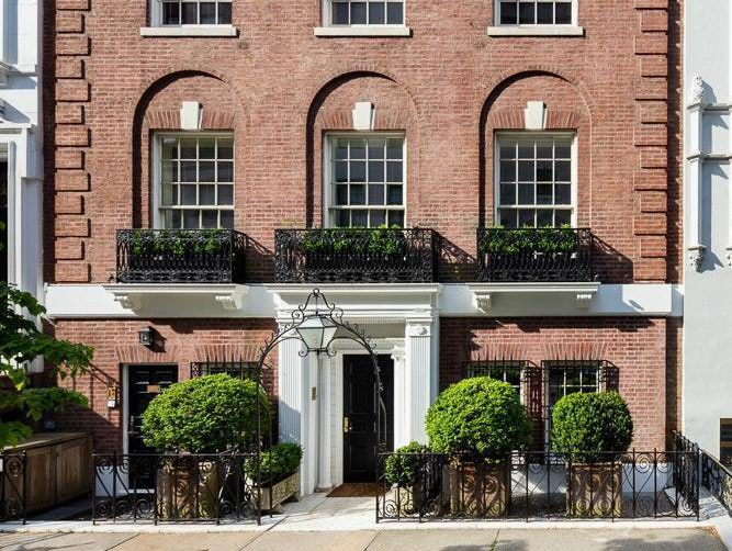 Late Johnson & Johnson Heiress' Mansion With a Nightclub Finally Sold