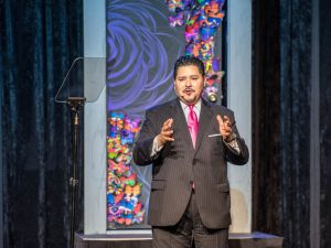 Houston Schools Superintendent Richard Carranza will lead New York City's public schools.