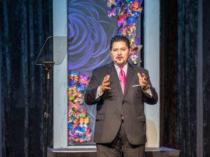 Houston Schools Superintendent Richard Carranza will lead New York City's public schools.