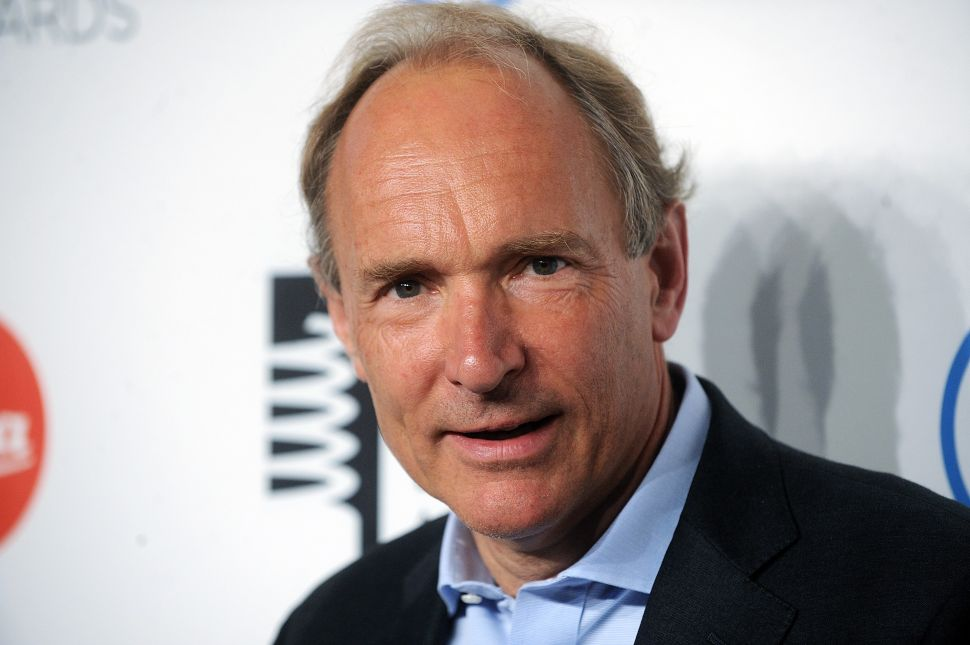 Internet Inventor Tim Berners-Lee Offers Advice to Solve Tech Giants' Problems