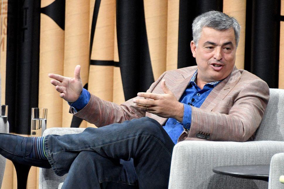 Apple Executive Responds to Those Netflix Acquisition Rumors