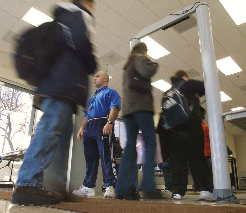 Use of Metal Detectors in New York City Schools Under Scrutiny Amid Parkland Shooting