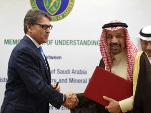 U.S. Energy Secretary Rick Perry and Saudi Energy Minister Khaled al-Falih shake hands on December 4, 2017 in Riyadh.