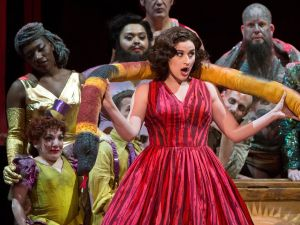"""Serena Malfi (Dorabella) wows Coney Island in 'Cosi Fan tutte""""."""