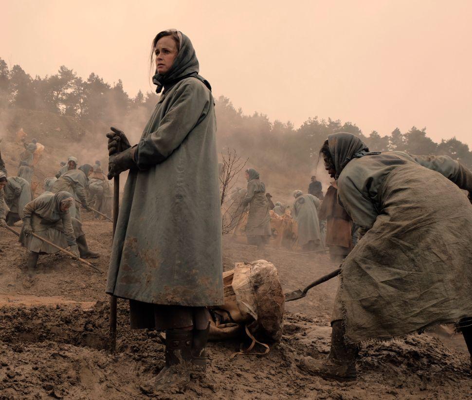 'The Handmaid's Tale' Team Teases Season 2: 'No One Is Safe'