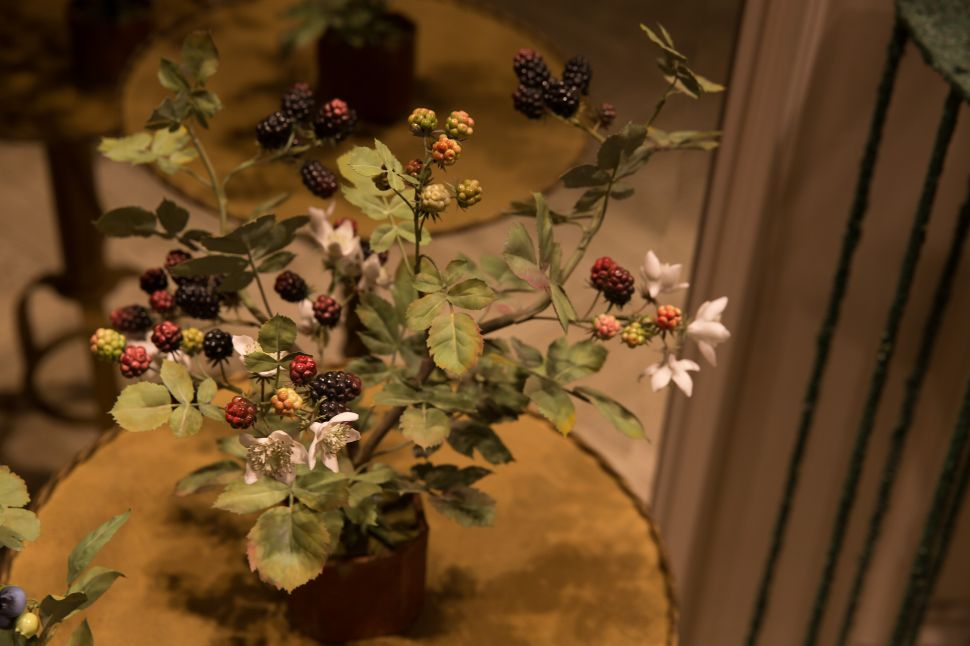 Fake Flowers Now Come With Moda Operandi's Stamp of Approval