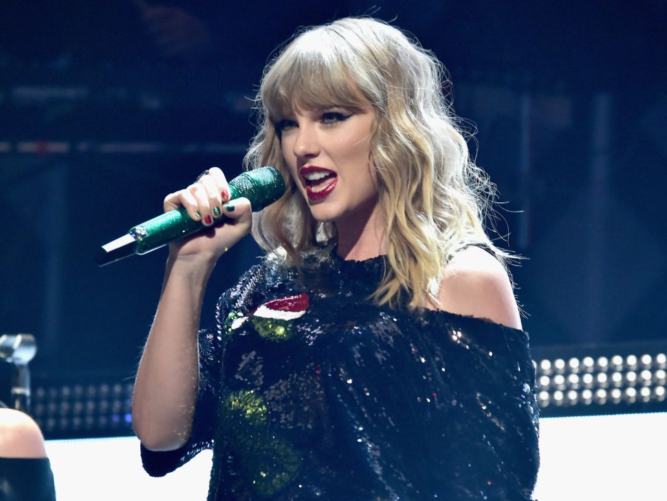 Taylor Swift Can't Shake Off Her Stalkers
