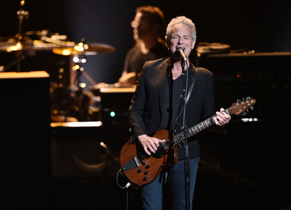 Lindsey Buckingham Is Leaving Fleetwood Mac—and a Brentwood Mansion