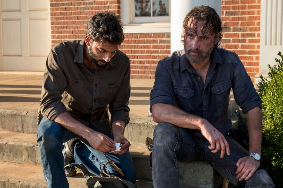'Walking Dead' Star Andrew Lincoln Teases 'Unbelievable' Finale
