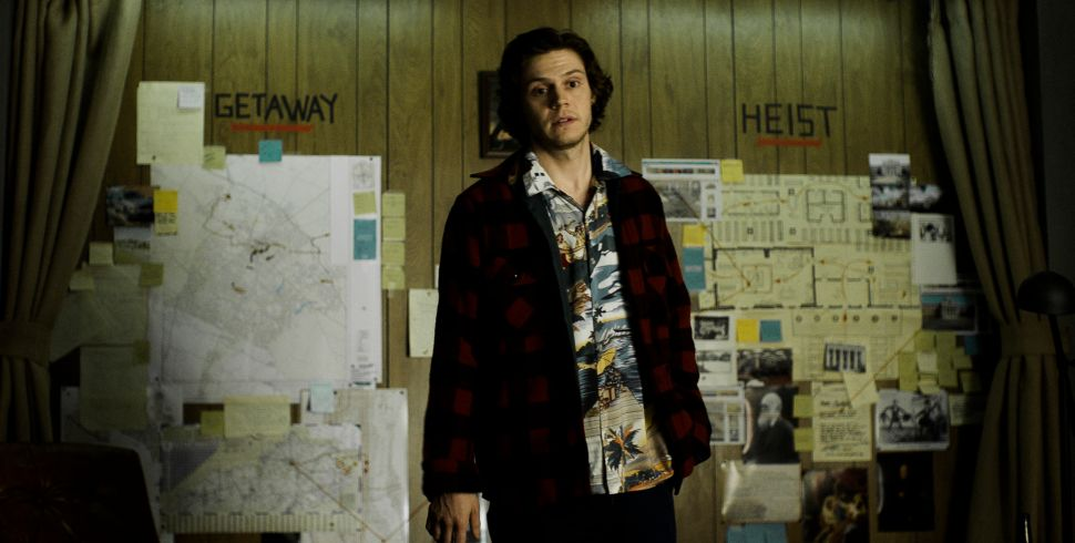 Smart-Aleck Script Saves 'American Animals' From Total Predictability