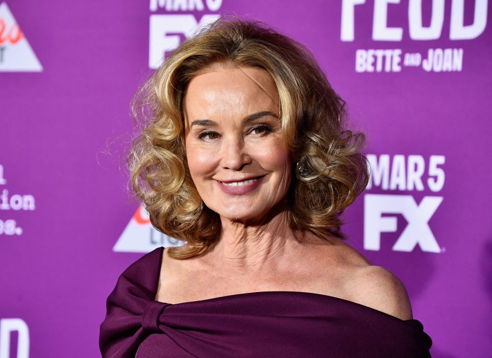 Jessica Lange Made a Feud-Free Purchase on Fifth Avenue