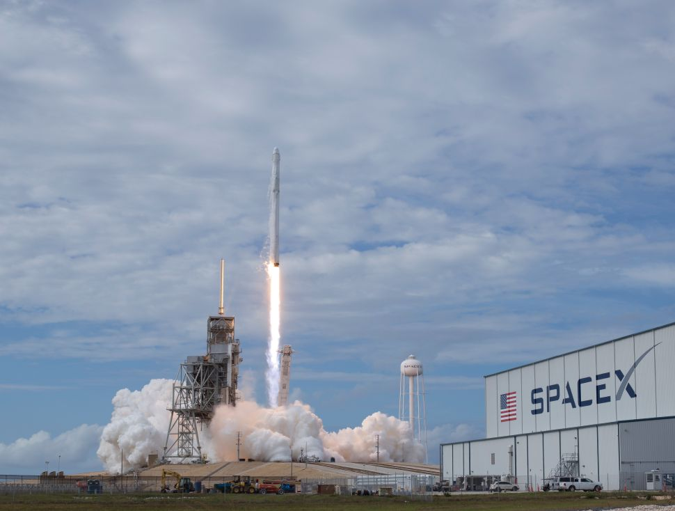 WSJ's SpaceX Story Raises Many Alarm Bells, But Few Are Based in Fact