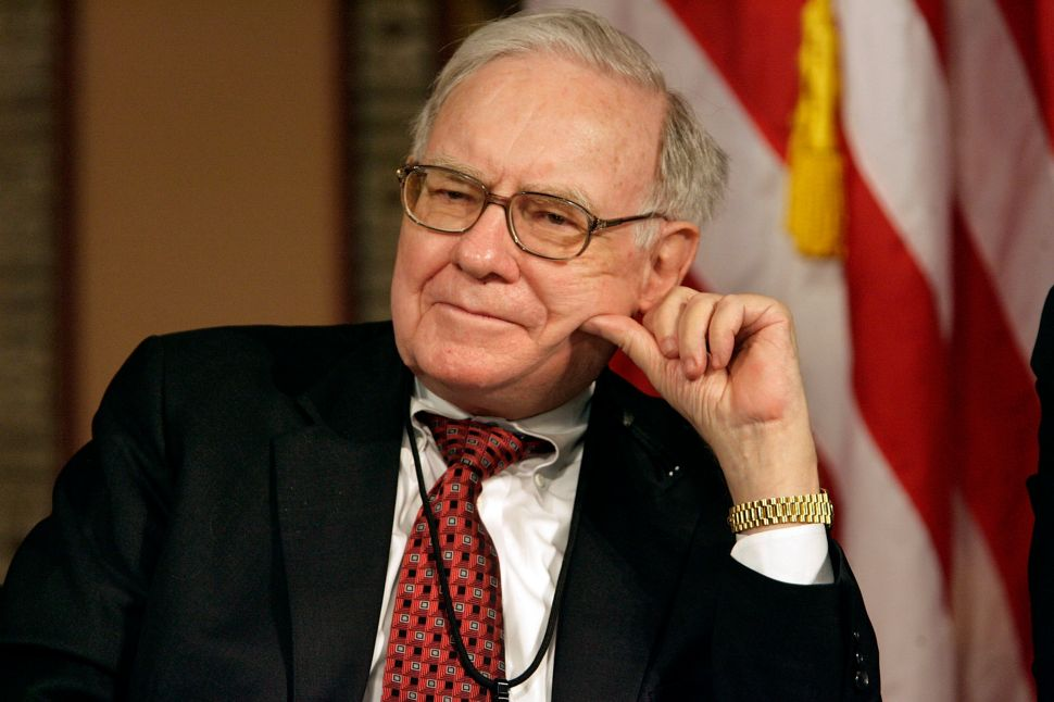 This Year's 'Power Lunch' With Warren Buffett Sold For $3.3M on eBay