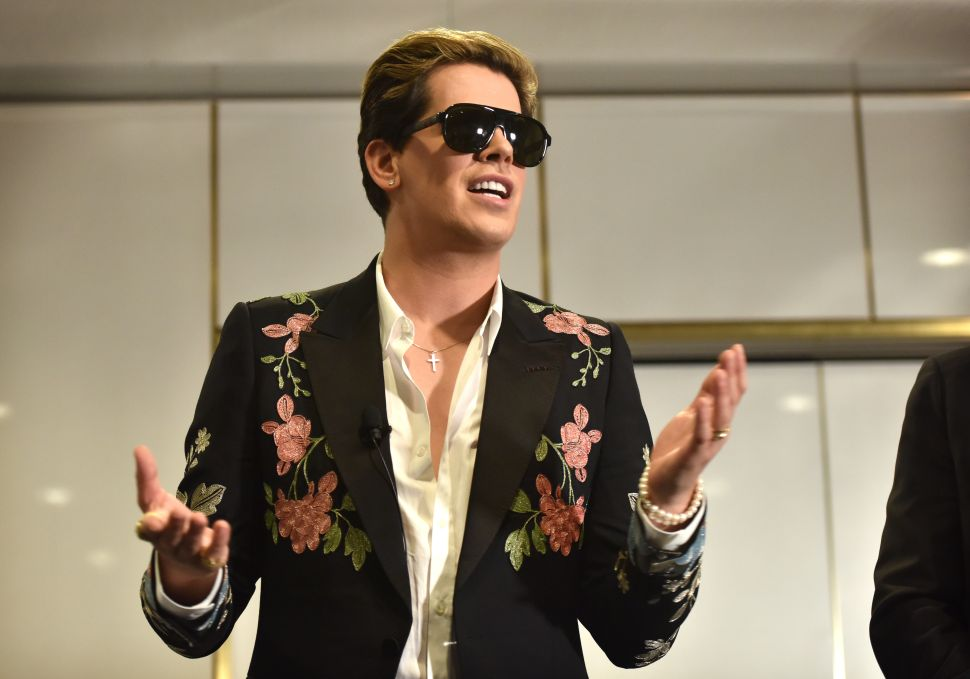 Milo Yiannopoulos Encourages Vigilantes to Start 'Gunning Journalists Down'