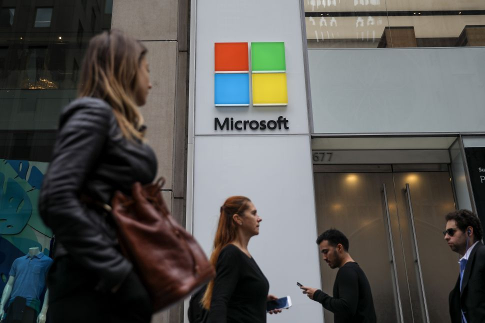 Microsoft's ICE Issues Show Yet Again That It Doesn't Respond Well to Crisis
