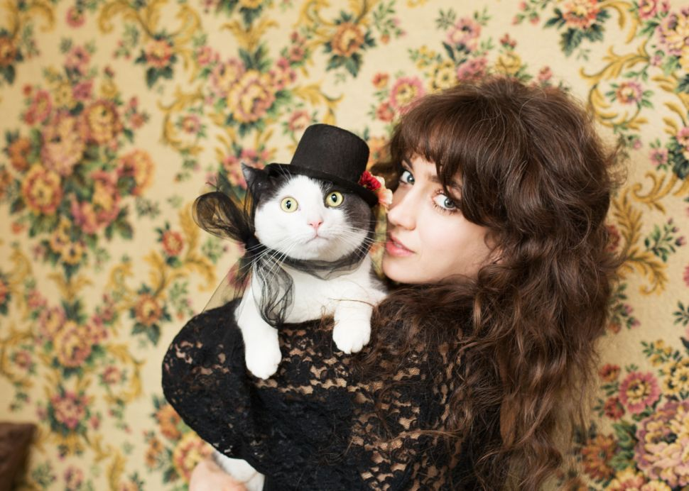 The 'Crazy Cat Lady' Is a Dumb Stereotype We Need to Banish