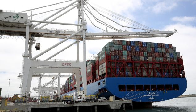 OAKLAND, CA - JUNE 20: The Hong Kong based CSCL East China Sea container ship sits in a berth at the Port of Oakland on June 20, 2018 in Oakland, California. U.S. president Donald Trump has threatened to impose 10 percent tariffs on $200 billion of Chinese imports if China retaliated against his previous tariffs on $50 billion of Chinese imports. (Photo by Justin Sullivan/Getty Images)
