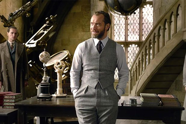 Don't Expect 'Fantastic Beasts' Sequel to Explore Dumbledore's Sexuality