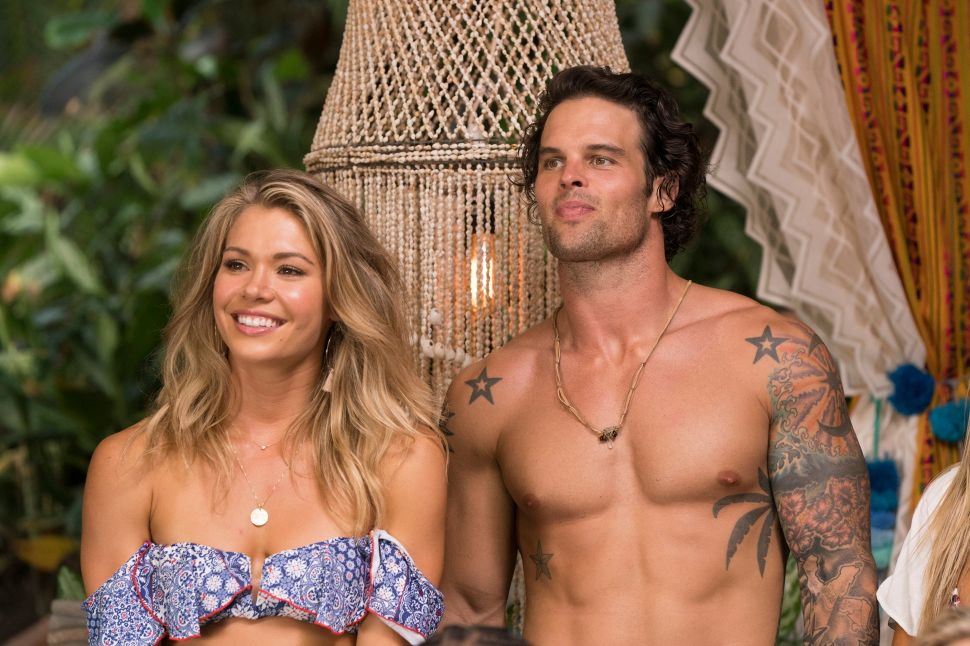 Who's Hooking Up With Who on 'Bachelor in Paradise'? Your Updated Guide