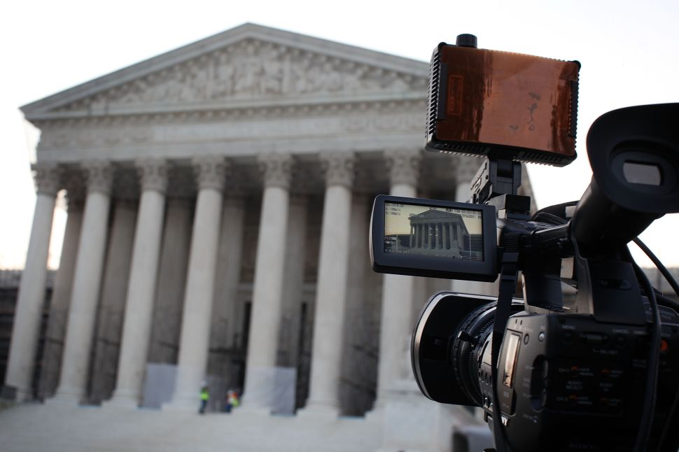 Voters Want Supreme Court Arguments Televised, But Justices Think Mystery Should Stay