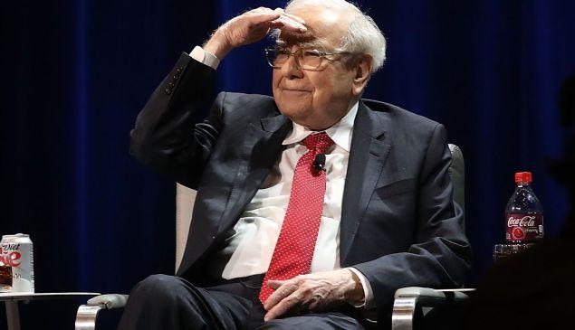 Warren Buffett buys $360 million of Indian startup Paytm