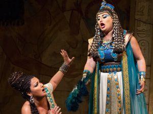 Divas Anna Netrebko and Anita Rachvelishvili burn up the stage in 'Aida'.
