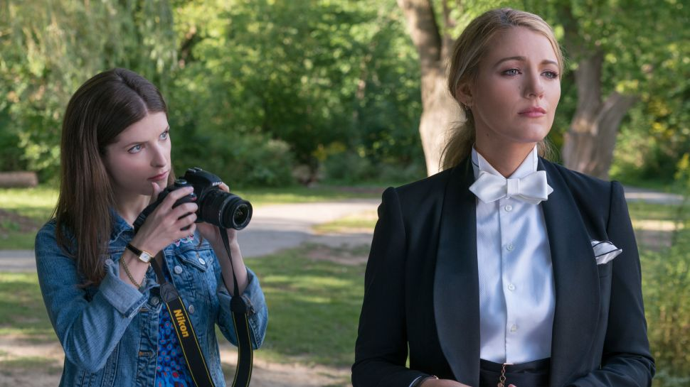 'A Simple Favor' Is a Lot Like Real Estate Listings: Glossy, Mildly Interesting