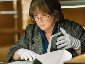 Melissa McCarthy in Can You Ever Forgive Me.