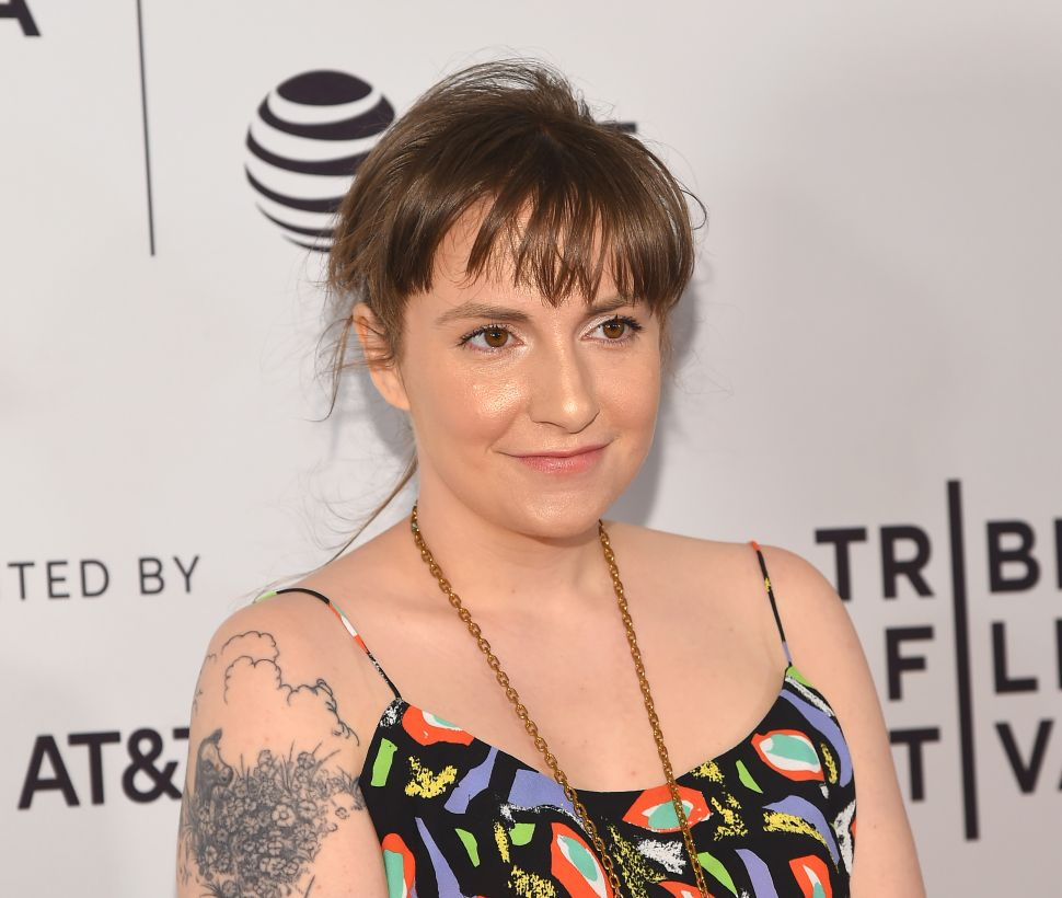 Lena Dunham Wrote the New 'T' Magazine Cover Story—And It's Actually Good