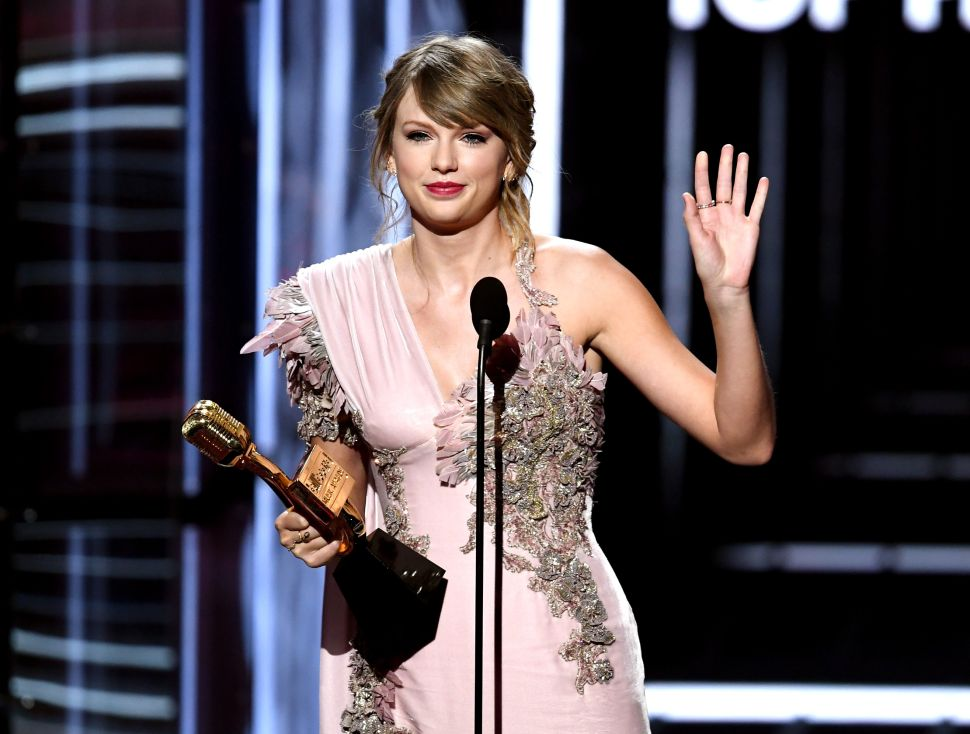 Taylor Swift Shakes Off One of Her Beverly Hills Homes
