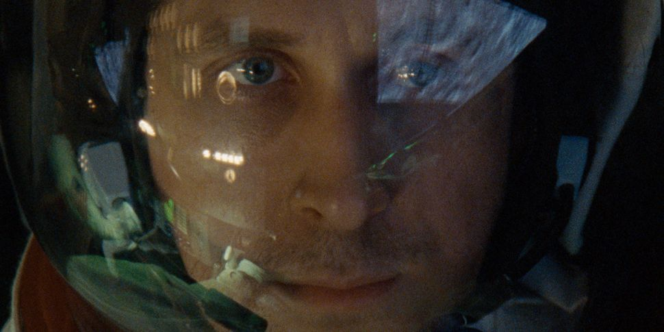'First Man' Stars Ryan Gosling's Eyelashes, Intergalactic Glitter, No American Flags