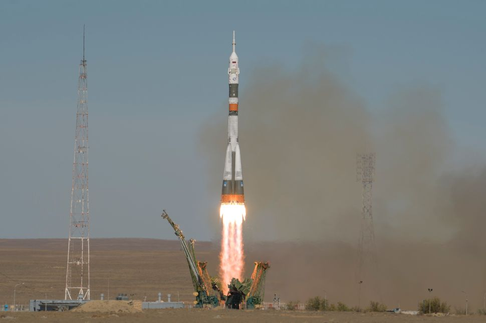 Russian Media Doesn't Rush to Judgment After Soyuz Rocket's Emergency Landing