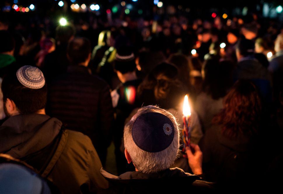 Thousands Gather at Vigils Around the World in Wake of Pittsburgh Synagogue Shooting