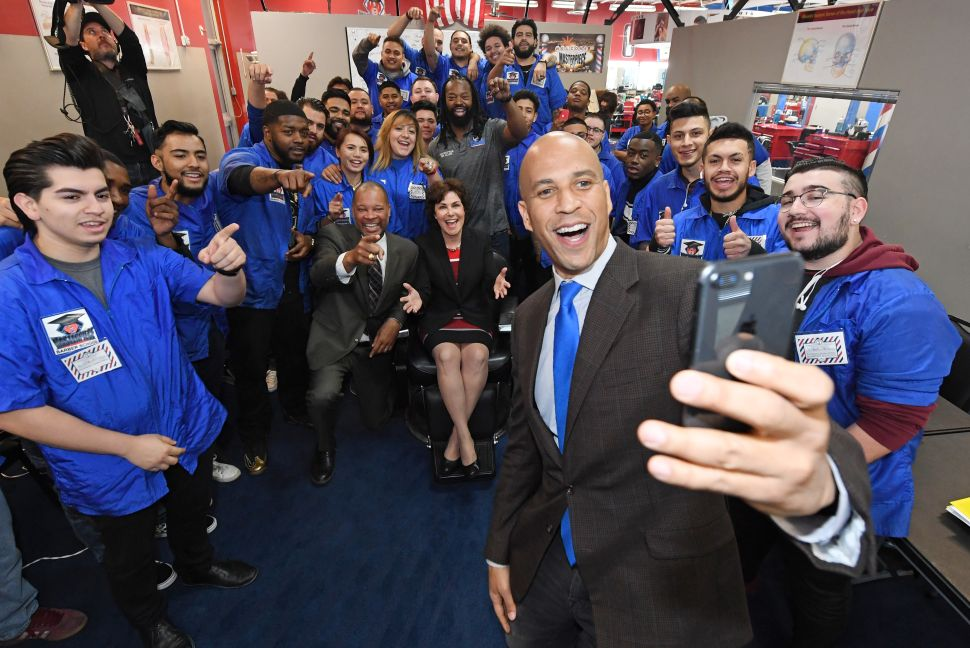 Silicon Valley Loves Cory Booker—But Still Gives a Lot of Money to the GOP