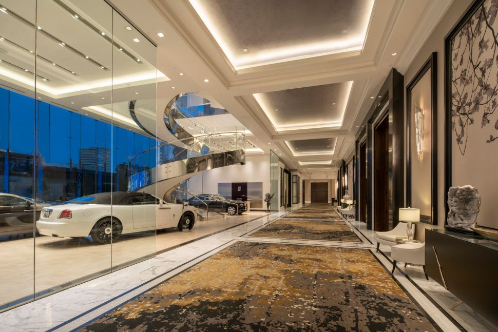 Houston's Post Oak Hotel Lets You Charge a Rolls-Royce to Your Room Like a Toblerone