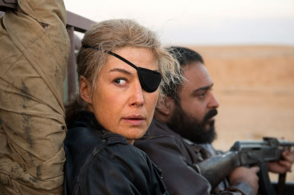 Rosamund Pike Pulls Off One of the Most Complex Roles of the Season as War Journalist Marie Colvin