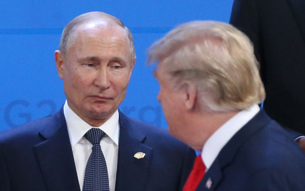 As Trump Panic-Tweets, Putin Cracks His Whip and Shows Him Who's Boss