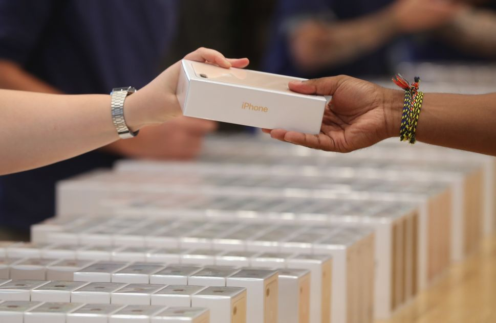 Is Apple Having Its First Ever Black Friday-Cyber Monday Sale?